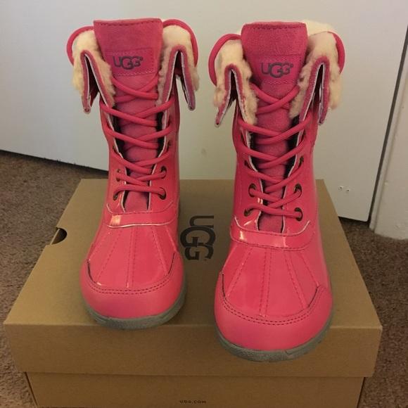 bfbb27b4259 NIB UGG Pink Butte II Patent Sparkle / Big Kids 3
